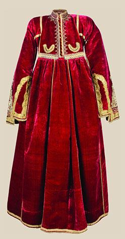 Rochie de curte, catifea, secol 18.